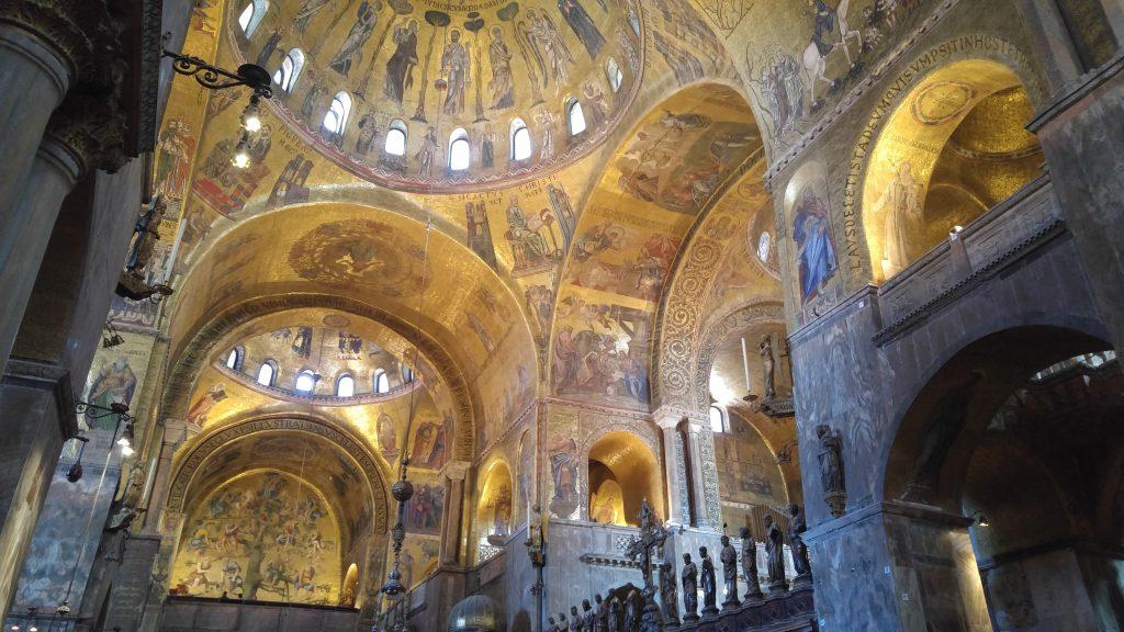Itineraio Dormire a Venezia_Basilica di San Marco, interno.