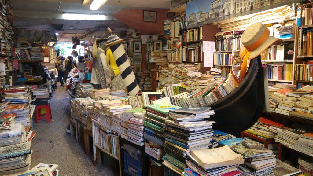 Itineraio Dormire a Venezia_ Libreria Acqua Alta