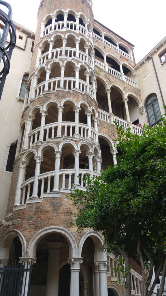 Itinerario Dormire a Venezia_ Scala Contarini del Bovolo