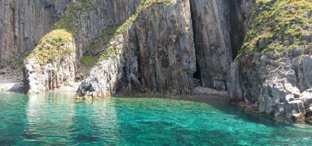 Escursione a Palmarola, dormire su un'isola deserta in Lazio