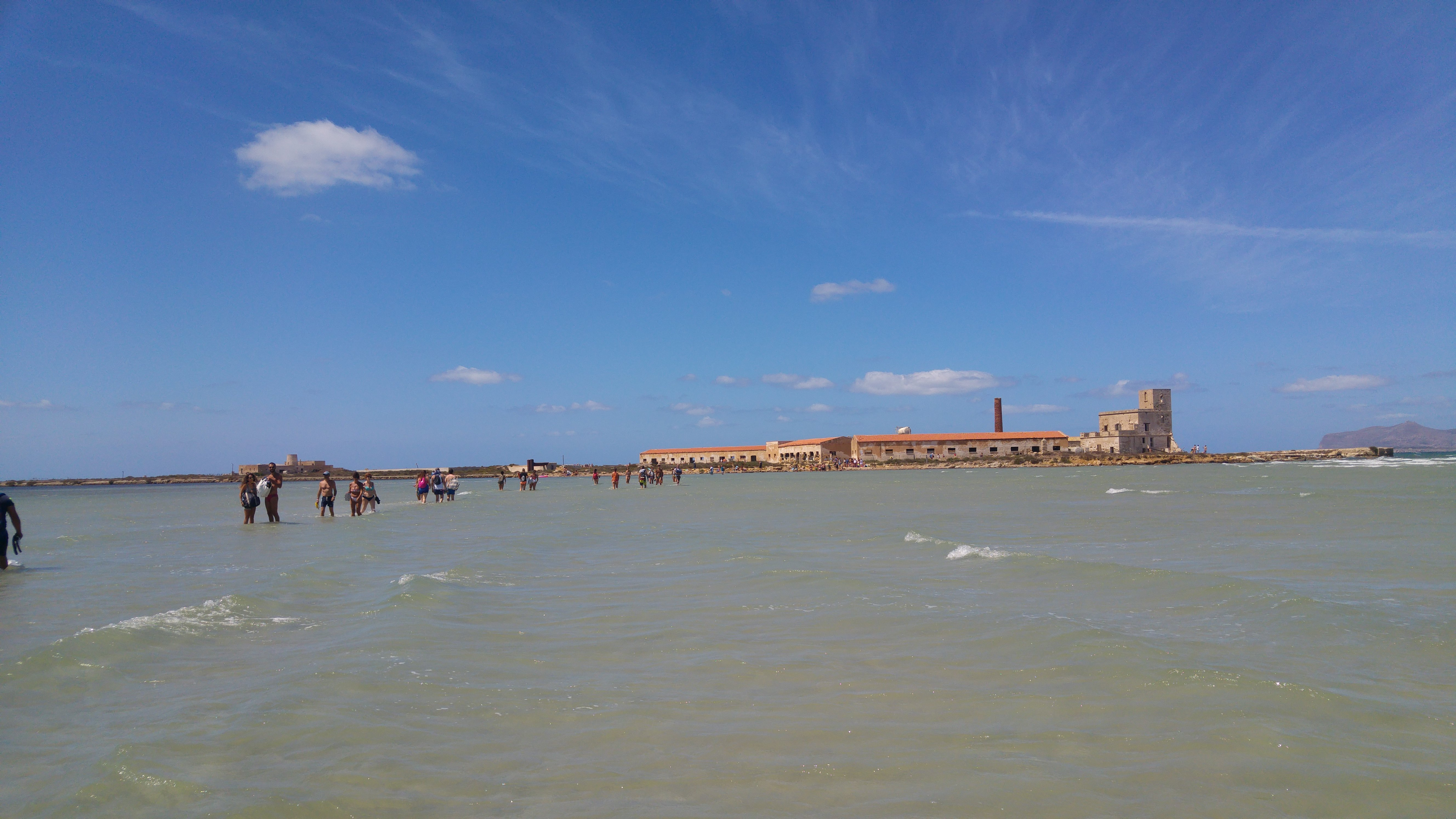 Traversata del mare per arrivare alle Saline dello Stagnone