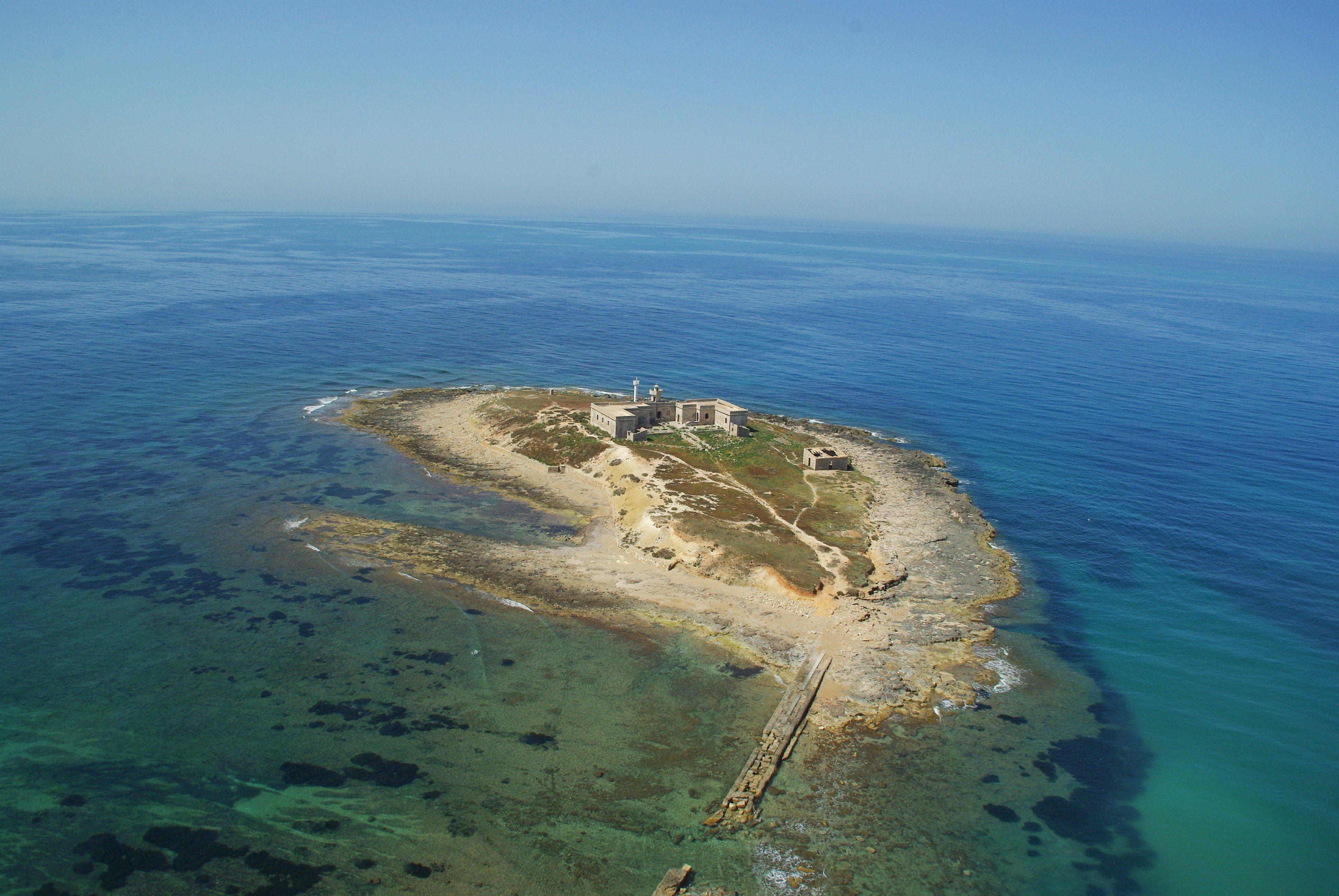 Isola delle Correnti in Sicilia a Siracusa con tonnara