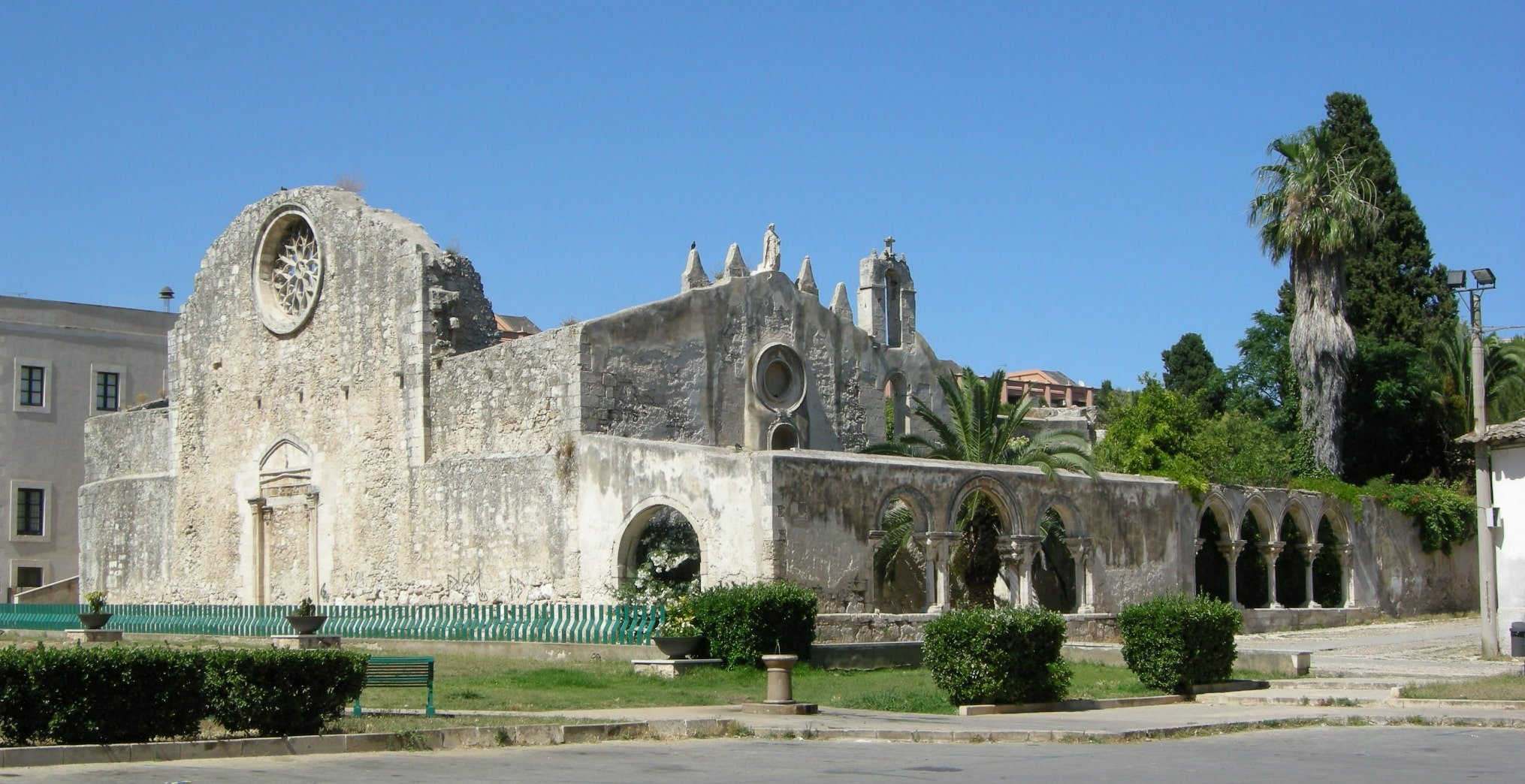 Chiesa di San Giovanni antica in pietra a Siracusa, Sicilia