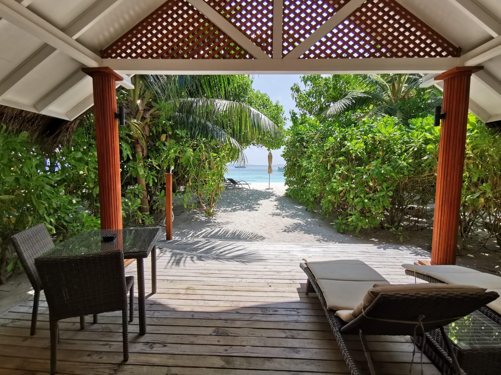 Beach_villa_kudafushi_beach