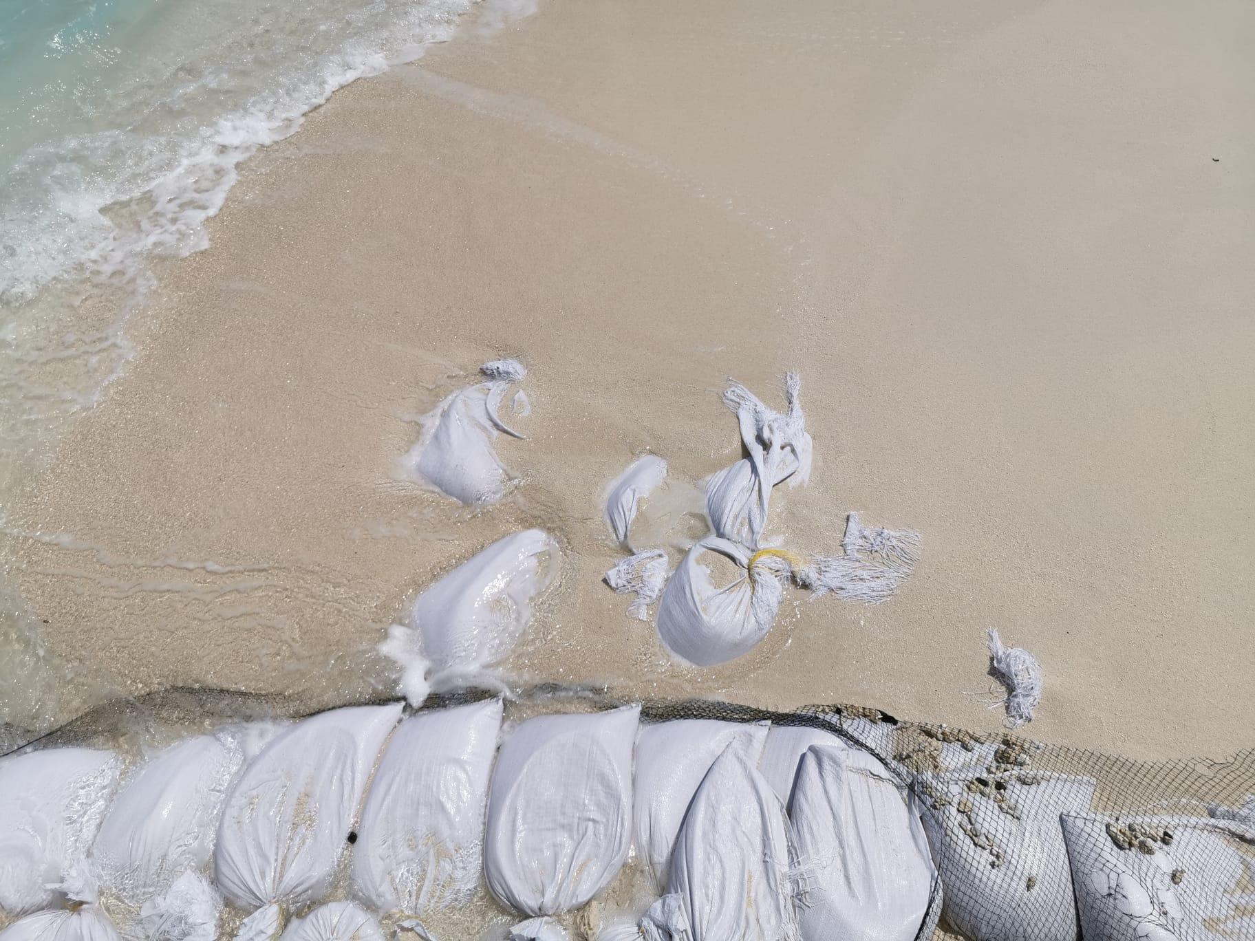 Kudafushi_sacchi_sabbia_spiaggia