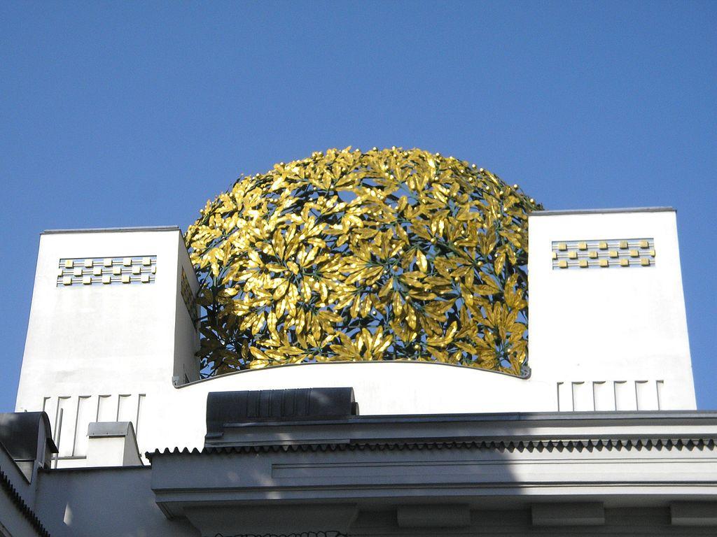 Cupola di lauri dorati Palazzo della Secessione viennese a Vienna
