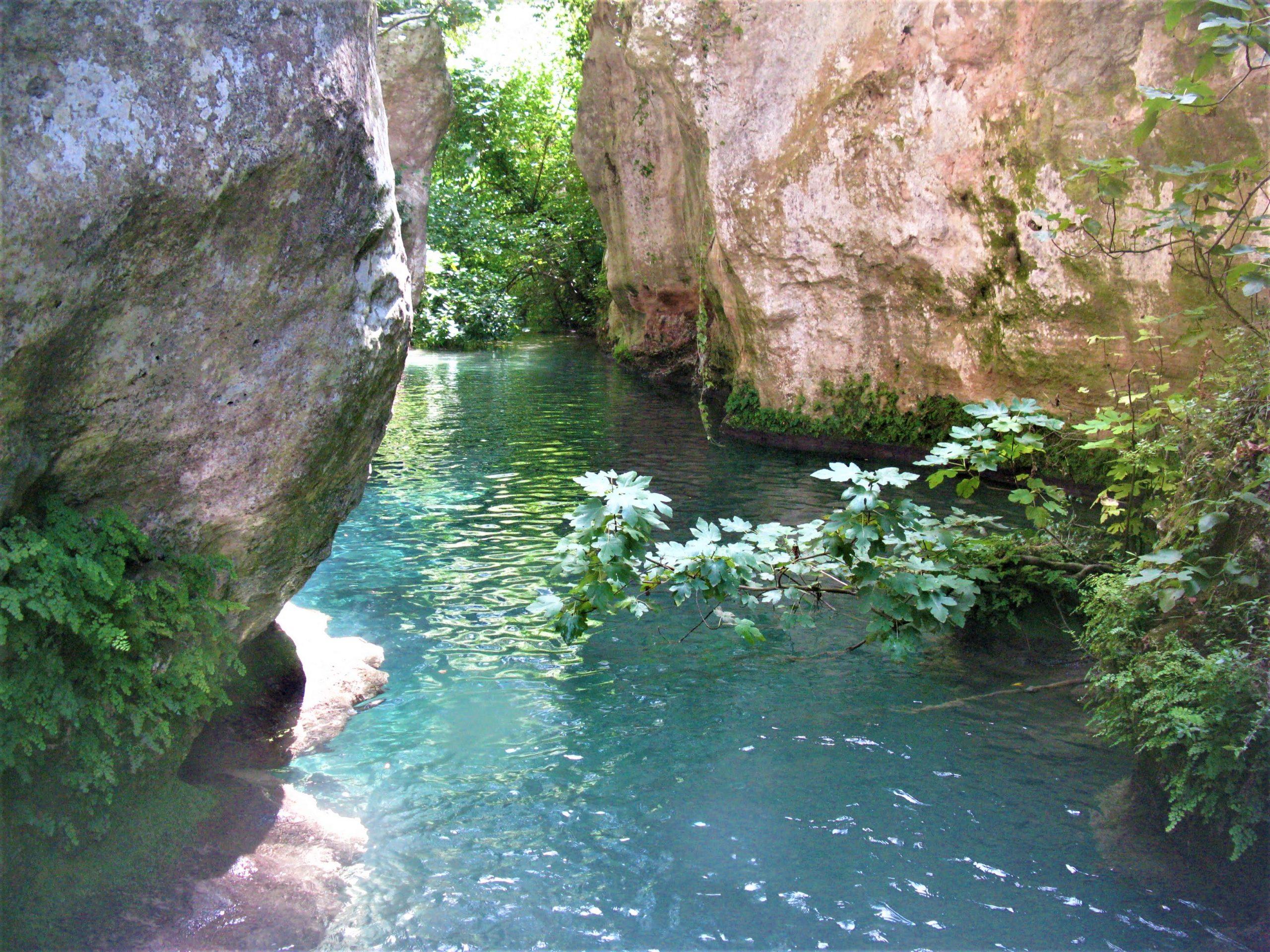Trekking fluviale, la risalita del fiume Calcinara in Sicilia