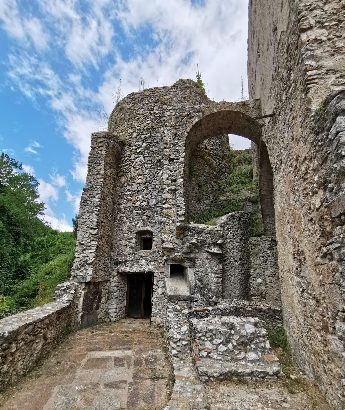 Resti archeologico delle ferriere di Mongiana in Calabria e del forno fusorio borbonico