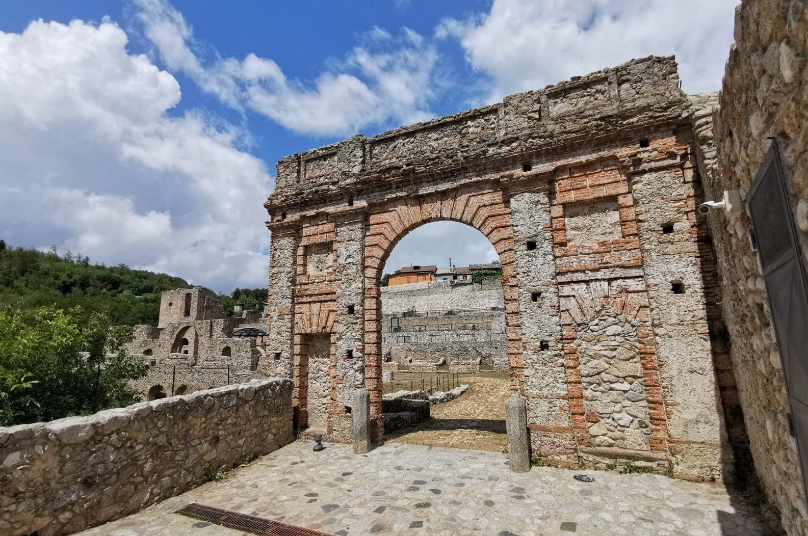 ingresso antica fonderia di Mongiana in Calabria